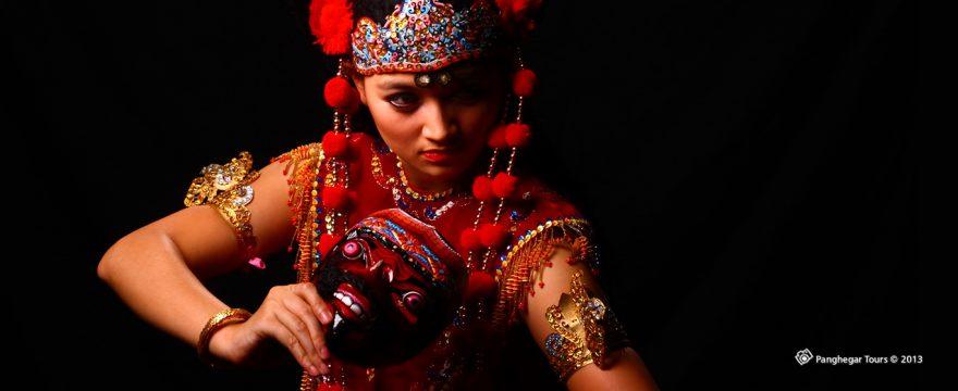 mask-dance - Tari Topeng dan Berbagai Macam Gaya Tariannya yang Unik