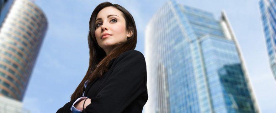 2 Cara Menjadi Pribadi Yang Menonjol confident-woman
