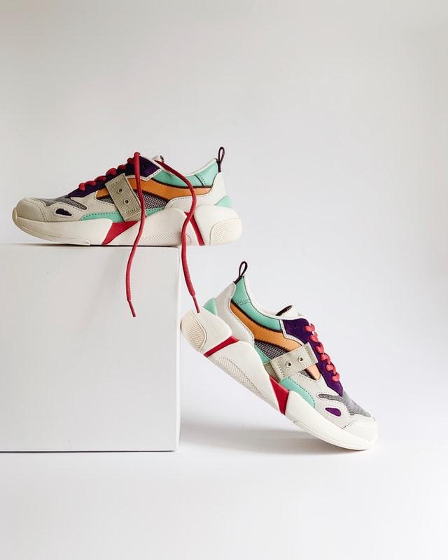 cara memilih toko sepatu